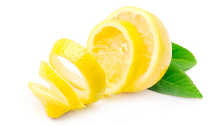 Scorza di un limone profumato, contiene limonene antiossidante